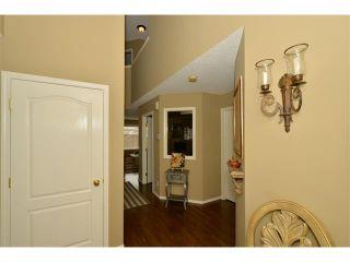 Photo 3: 536 DOUGLAS GLEN PT SE in Calgary: Douglasdale/Glen House for sale : MLS®# C4002246