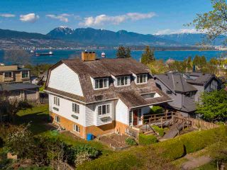 """Photo 2: 4545 W 6TH Avenue in Vancouver: Point Grey House for sale in """"Point Grey"""" (Vancouver West)  : MLS®# R2575660"""