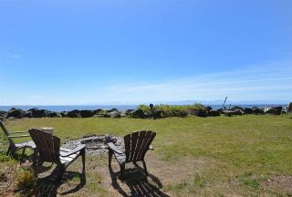 """Photo 4: 4485 STALASHEN Drive in Sechelt: Sechelt District Manufactured Home for sale in """"Tsawcome Properties"""" (Sunshine Coast)  : MLS®# R2574655"""