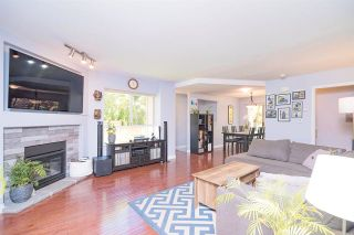 Photo 1: 4 907 CLARKE Road in Port Moody: College Park PM Townhouse for sale : MLS®# R2590906
