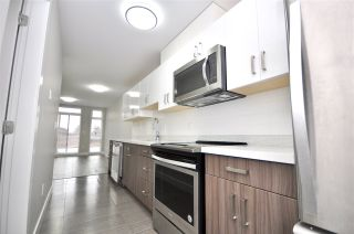 """Photo 2: 302 3939 KNIGHT Street in Vancouver: Knight Condo for sale in """"KENSINGTON POINT"""" (Vancouver East)  : MLS®# R2436782"""