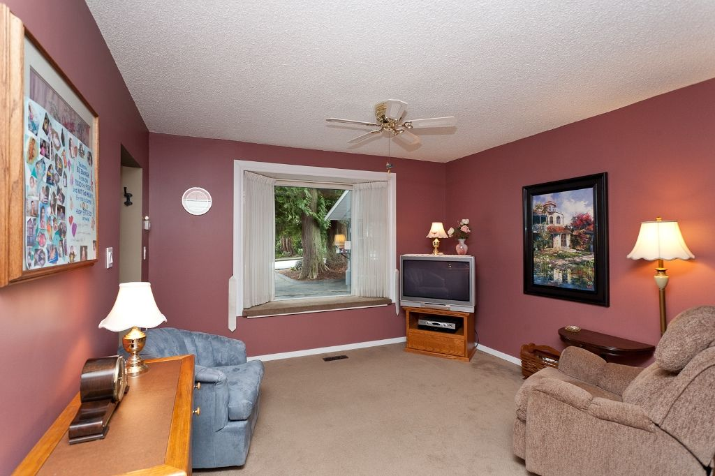 Photo 8: Photos: 423 WALKER Street in Coquitlam: Coquitlam West House for sale : MLS®# V938751