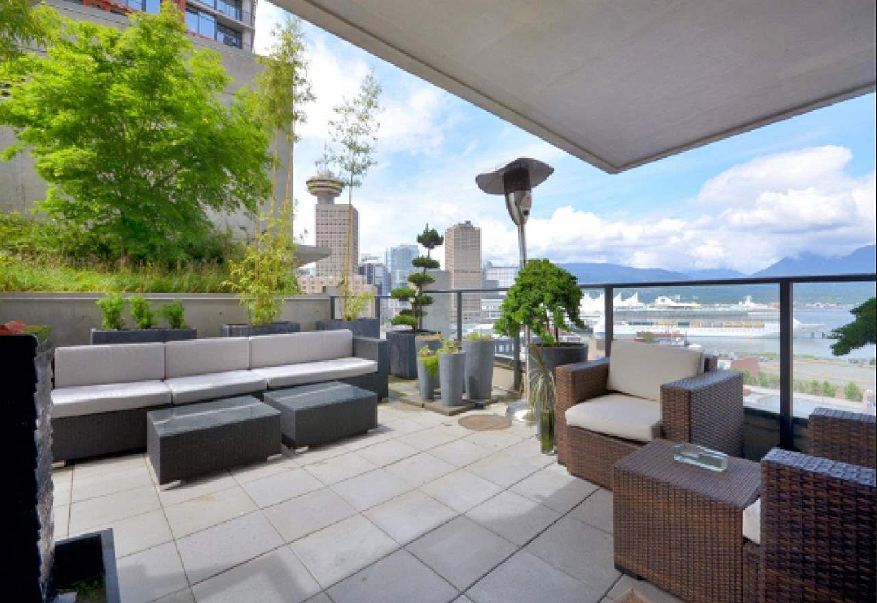 """Photo 12: Photos: 2404 108 W CORDOVA Street in Vancouver: Downtown VW Condo for sale in """"Woodwards"""" (Vancouver West)  : MLS®# R2419147"""