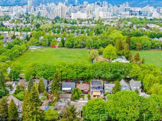 Photo 9: 836 W 22ND AVENUE in Vancouver: Cambie House for sale (Vancouver West)  : MLS®# R2455356
