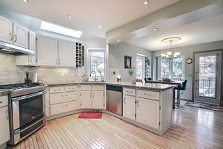 Photo 9: 824 Shawnee Drive SW in Calgary: Shawnee Slopes Detached for sale : MLS®# A1083825