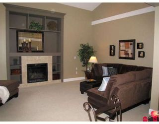 """Photo 7: 21023 83B Avenue in Langley: Willoughby Heights House for sale in """"Yorkson"""" : MLS®# F2803150"""
