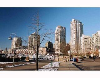 Photo 2: # 1807 918 COOPERAGE WY in Vancouver: Yaletown Condo for sale (Vancouver West)  : MLS®# V1006195