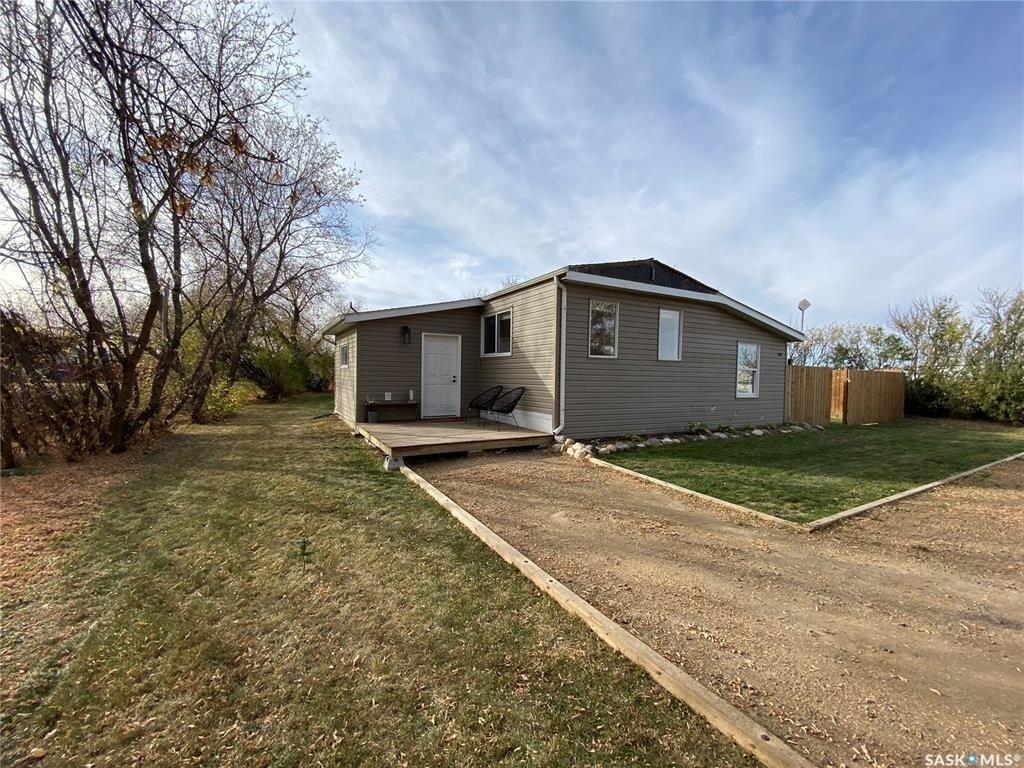 Main Photo: 201 High Avenue in Broderick: Residential for sale : MLS®# SK872266