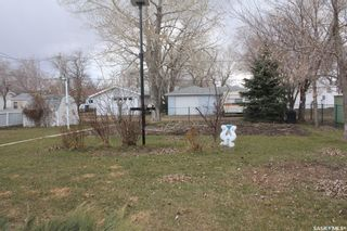 Photo 4: 209 3rd Avenue East in Lampman: Residential for sale : MLS®# SK849937