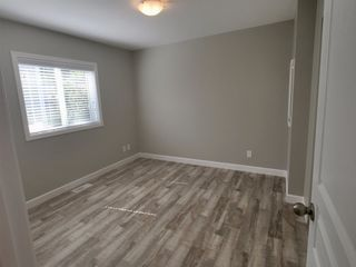 """Photo 10: 22 24330 FRASER Highway in Langley: Otter District Manufactured Home for sale in """"Langley Grove Estates"""" : MLS®# R2390196"""
