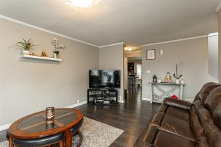 """Photo 7: 3 9472 WOODBINE Street in Chilliwack: Chilliwack E Young-Yale Townhouse for sale in """"Chateau View"""" : MLS®# R2520198"""