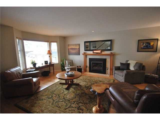 Photo 3: Photos: 4015 SHONE Road in North Vancouver: Indian River House for sale : MLS®# V907837