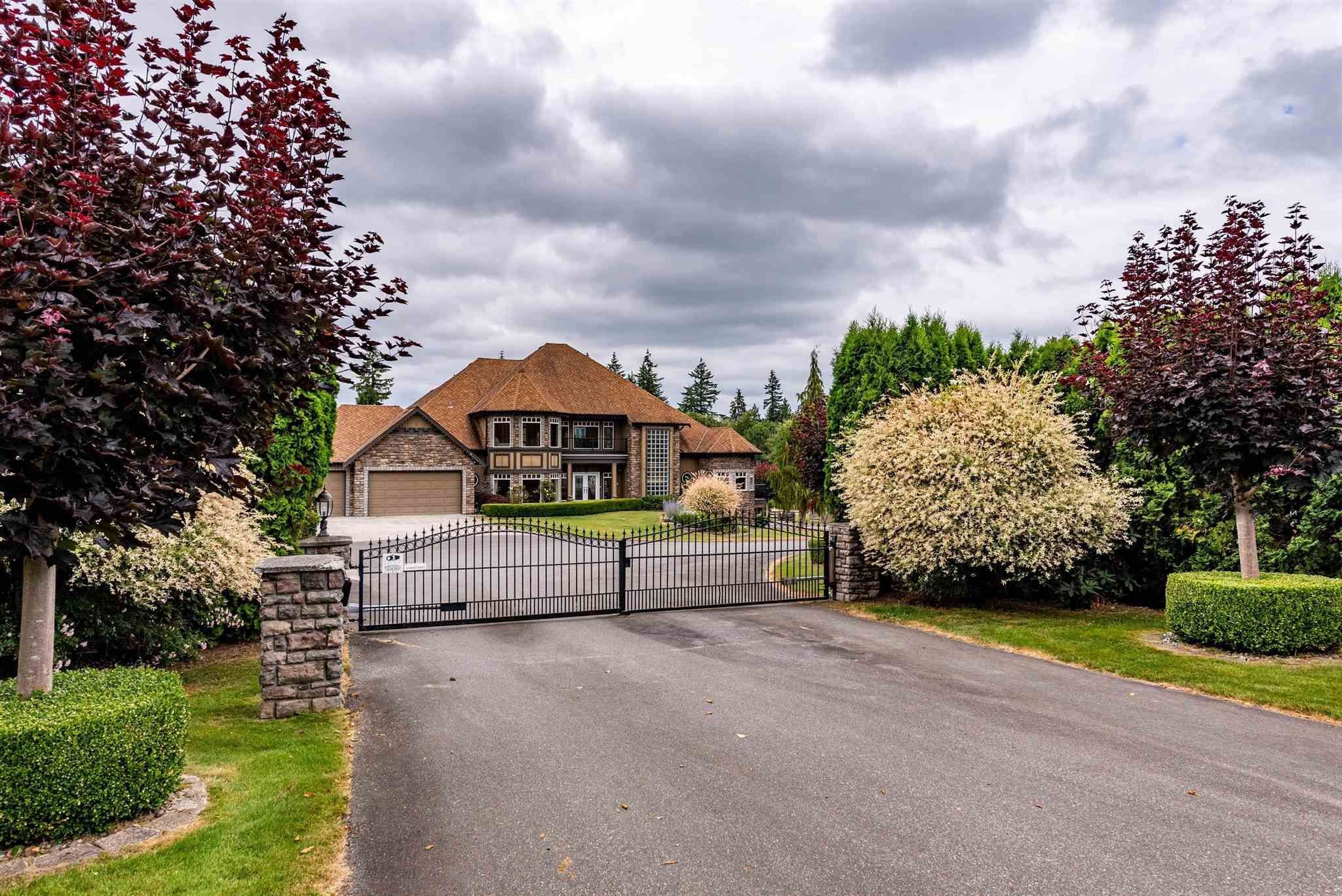 Main Photo: 25309 72 Avenue in Langley: County Line Glen Valley House for sale : MLS®# R2600081