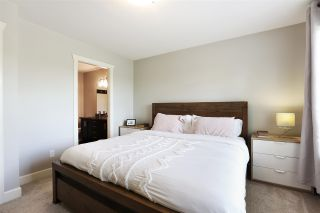 Photo 11: 5 19560 68 AVENUE in Surrey: Clayton Townhouse for sale (Cloverdale)  : MLS®# R2592237