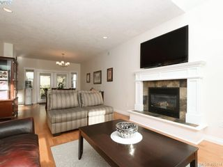 Photo 4: 766 Hanbury Pl in VICTORIA: Hi Bear Mountain House for sale (Highlands)  : MLS®# 804973