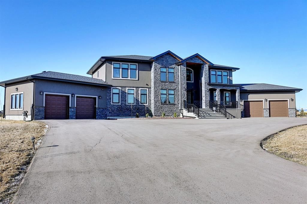 Main Photo: 31071 Windhorse Drive in Rural Rocky View County: Rural Rocky View MD Detached for sale : MLS®# A1095486