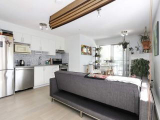 """Photo 3: 312 688 E 16TH Avenue in Vancouver: Fraser VE Condo for sale in """"Vintage Eastside"""" (Vancouver East)  : MLS®# R2510286"""