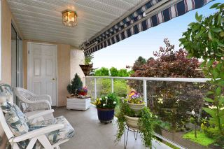 "Photo 17: 302 1273 MERKLIN Street: White Rock Condo for sale in ""CLIFTON LANE"" (South Surrey White Rock)  : MLS®# R2064744"