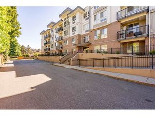"""Photo 35: 118 5430 201ST Street in Langley: Langley City Condo for sale in """"THE SONNET"""" : MLS®# R2586226"""