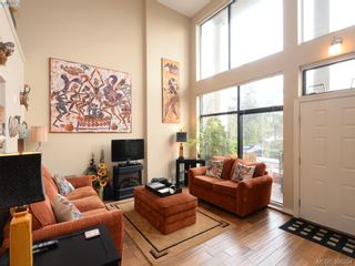 Photo 3: 102 820 Short St in VICTORIA: SE Quadra Row/Townhouse for sale (Saanich East)  : MLS®# 776199