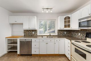 Photo 4: 11 Foley Road SE in Calgary: Fairview Detached for sale : MLS®# A1119391