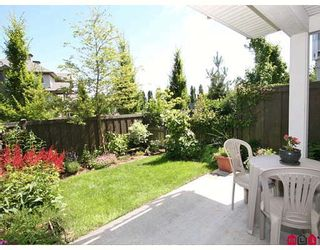 "Photo 10: 11 20771 DUNCAN Way in Langley: Langley City Townhouse for sale in ""Wyndham Lane"" : MLS®# F2821171"