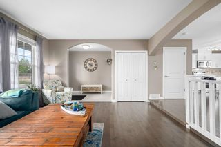 Photo 5: 72 Mackenzie Way: Carstairs Detached for sale : MLS®# A1132574