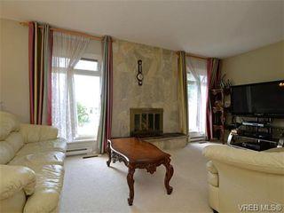Photo 5: 1826 Harvard Pl in VICTORIA: SE Lambrick Park House for sale (Saanich East)  : MLS®# 735224