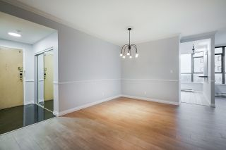 "Photo 3: 2206 5885 OLIVE Avenue in Burnaby: Metrotown Condo for sale in ""THE METROPOLITAN"" (Burnaby South)  : MLS®# R2523629"