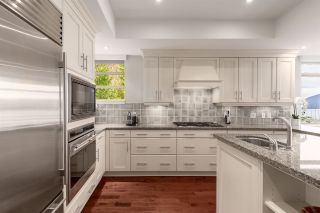 """Photo 11: 8609 SEASCAPE Place in West Vancouver: Howe Sound 1/2 Duplex for sale in """"Seascapes"""" : MLS®# R2528203"""