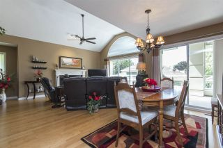 """Photo 5: 33 4001 OLD CLAYBURN Road in Abbotsford: Abbotsford East Townhouse for sale in """"Cedar Springs"""" : MLS®# R2166092"""
