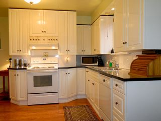Photo 7: 352 SIMPSON Street in New Westminster: Sapperton House for sale : MLS®# R2165332