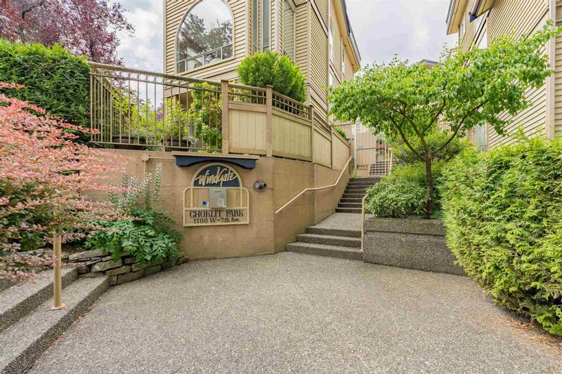 FEATURED LISTING: 202 - 1100 7TH Avenue West Vancouver