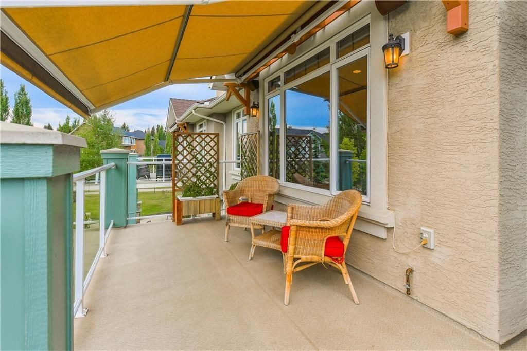Photo 20: Photos: 73 DISCOVERY WOODS Villa SW in Calgary: Discovery Ridge Semi Detached for sale : MLS®# C4218779