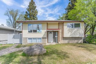 Photo 1: 128 108th Street in Saskatoon: Sutherland Residential for sale : MLS®# SK855336