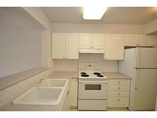 """Photo 2: 312 5518 14TH Avenue in Tsawwassen: Cliff Drive Condo for sale in """"WINDSOR WOODS"""" : MLS®# V1007789"""