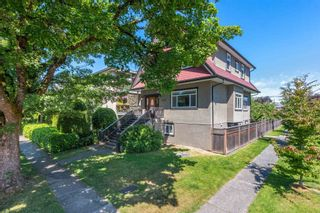 Photo 2: 493 E 44TH Avenue in Vancouver: Fraser VE House for sale (Vancouver East)  : MLS®# R2617982