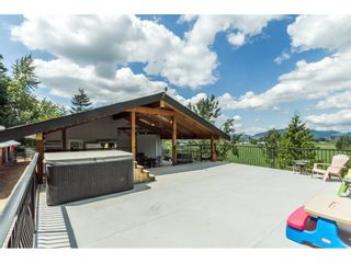 """Photo 1: 39170 OLD YALE Road in Abbotsford: Sumas Prairie House for sale in """"ARNOLD"""" : MLS®# R2197988"""