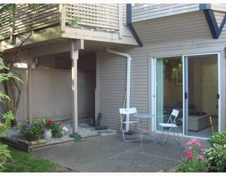"""Photo 10: 4 1195 FALCON Drive in Coquitlam: Eagle Ridge CQ Townhouse for sale in """"THE COURTYARDS"""" : MLS®# V775028"""