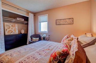 Photo 38: 136 Wolf Willow Close in Edmonton: Zone 22 House for sale : MLS®# E4240355