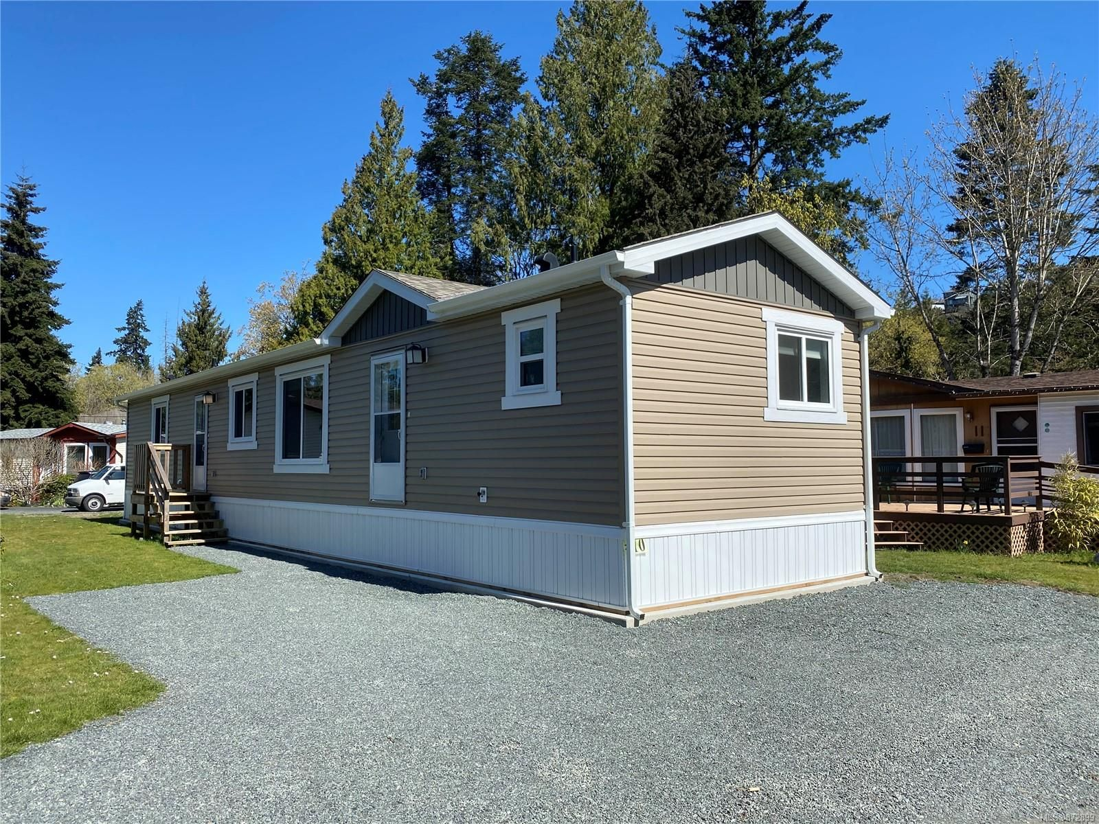 Main Photo: 10 2607 Selwyn Rd in : La Mill Hill Manufactured Home for sale (Langford)  : MLS®# 872899