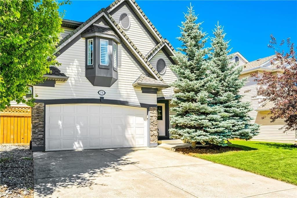 Main Photo: 75 VALLEY BROOK Circle NW in Calgary: Valley Ridge Detached for sale : MLS®# C4258951