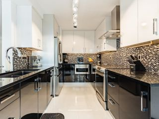Photo 5: 1505 1010 BURNABY STREET in Vancouver: West End VW Condo for sale (Vancouver West)  : MLS®# R2613983