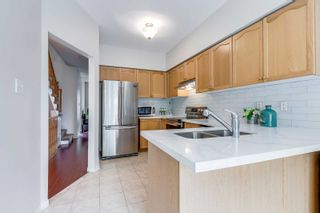 Photo 9: 249 23 Observatory Lane in Richmond Hill: Observatory Condo for sale : MLS®# N4886602
