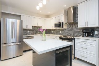 """Photo 2: 113 1770 W 12TH Avenue in Vancouver: Fairview VW Condo for sale in """"Granville West"""" (Vancouver West)  : MLS®# R2245067"""