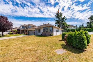"""Photo 3: 32286 SLOCAN Place in Abbotsford: Abbotsford West House for sale in """"Fairfield"""" : MLS®# R2596465"""