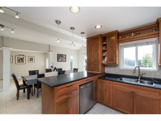 Photo 9: 2961 CAMROSE Drive in Burnaby: Montecito House for sale (Burnaby North)  : MLS®# R2408423