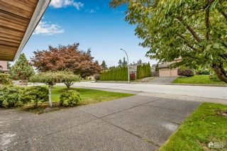 "Photo 3: 10535 164 Street in Surrey: Fraser Heights House for sale in ""FRASER GLEN"" (North Surrey)  : MLS®# R2622838"