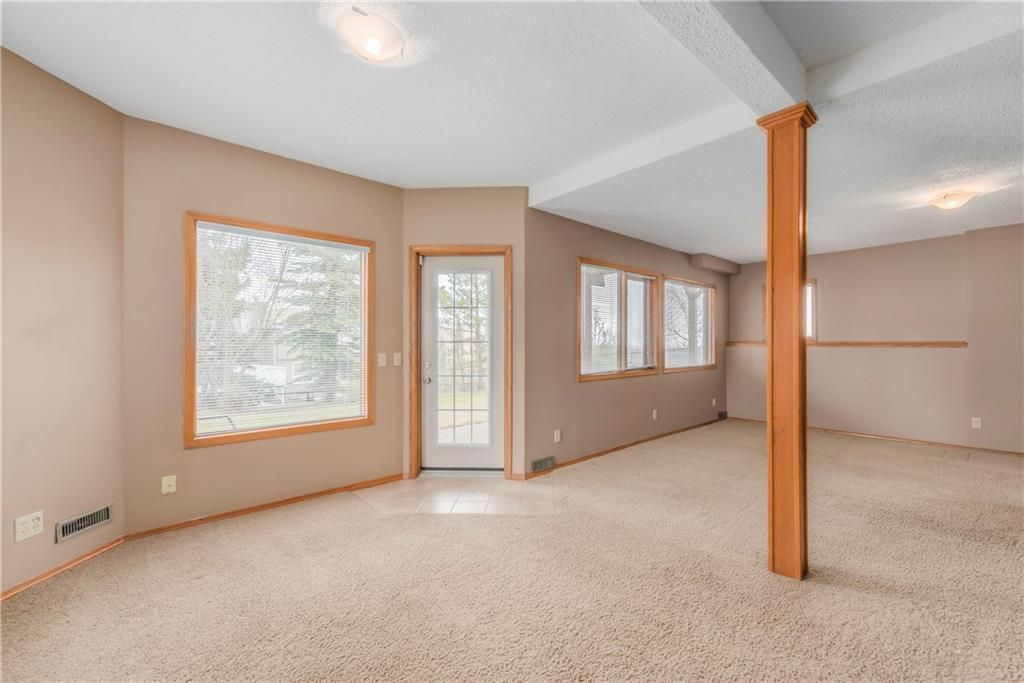 Photo 26: Photos: 2603 SIGNAL RIDGE View SW in Calgary: Signal Hill House for sale : MLS®# C4177922