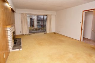 Photo 3: 834 W 18TH Avenue in Vancouver: Cambie House for sale (Vancouver West)  : MLS®# R2424422